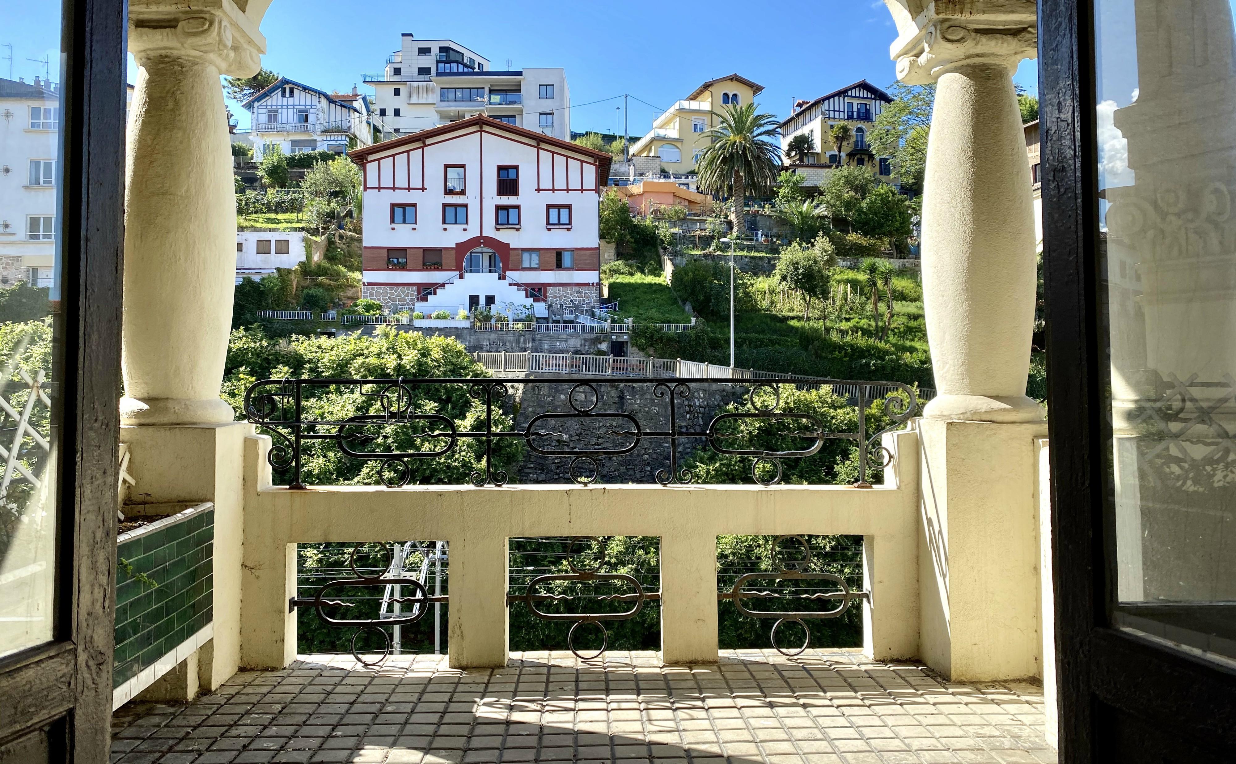GROS. Vivienda señorial de 155,00m2 con terraza SUR